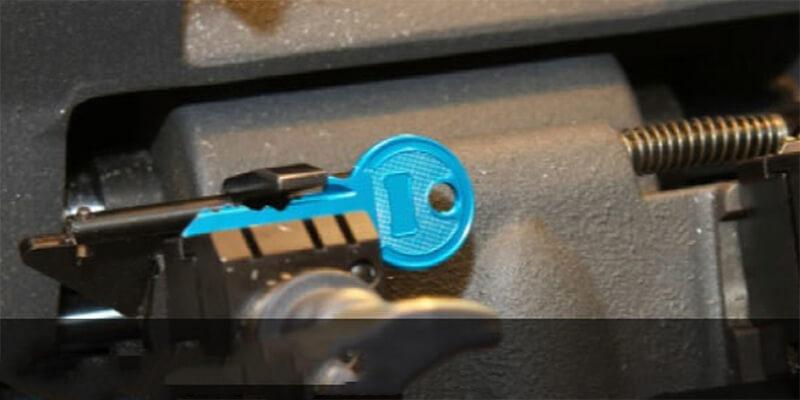 Automotive key cutting - M&N Locksmith Chicagos